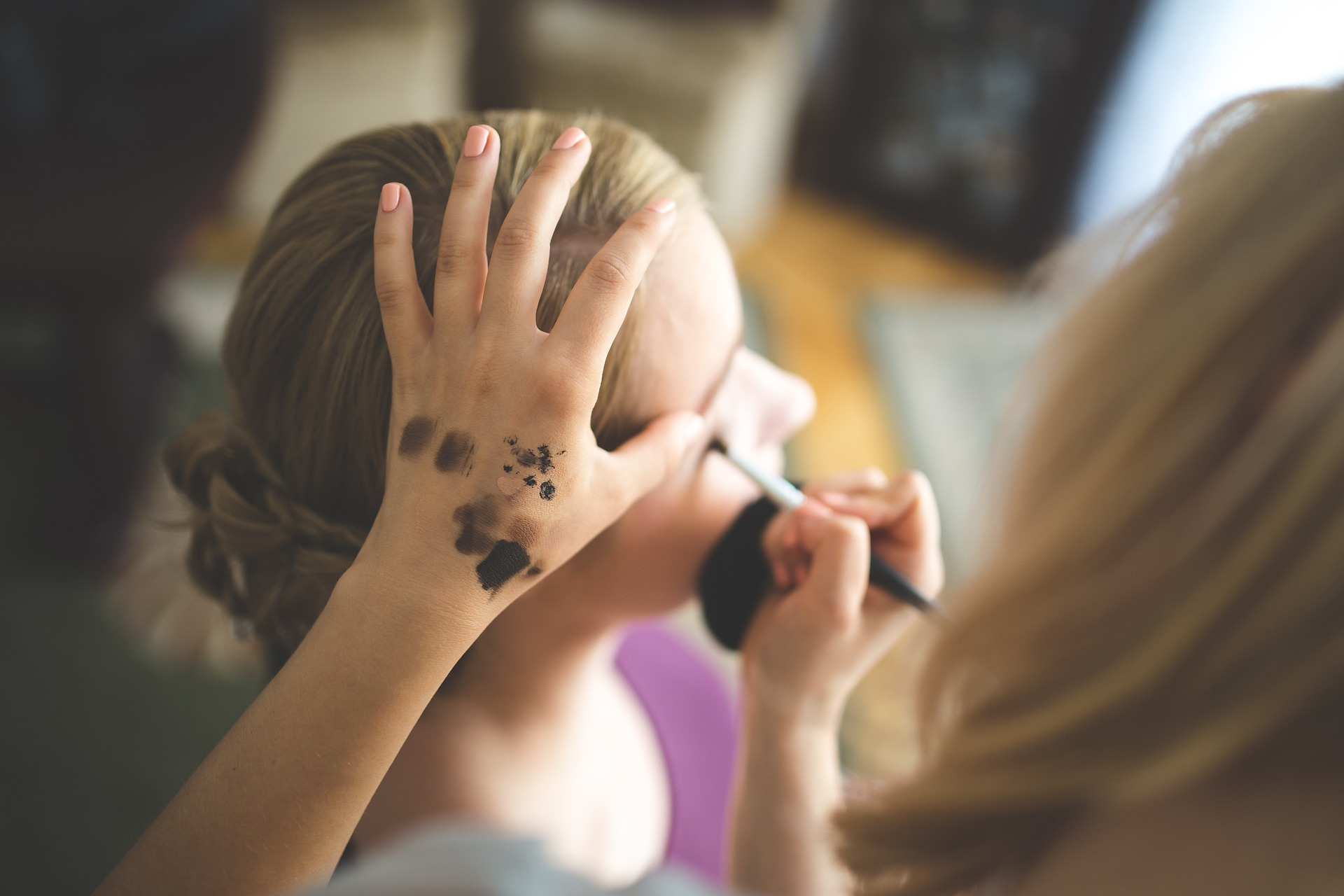 Make-up und Kontaktlinsen