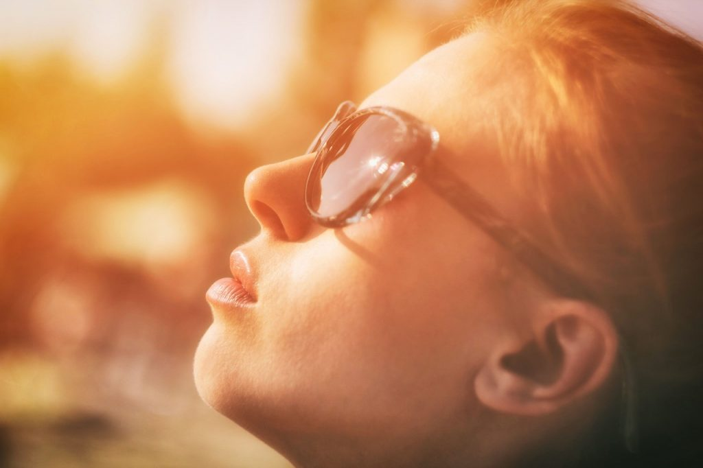 Sonnenbrille und Kontaktlinsen