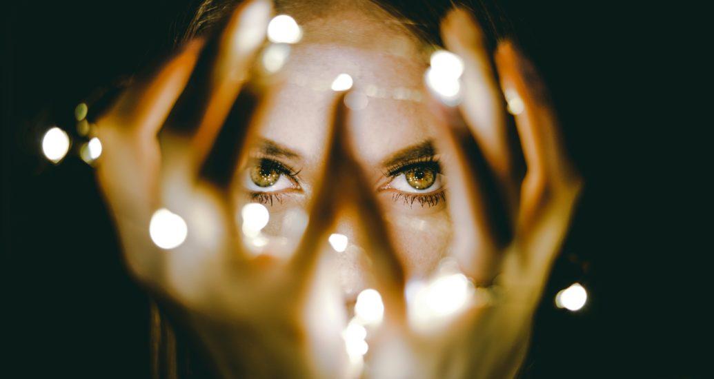 De bonnes résolutions: porter des lentilles de contact, mais correctement!